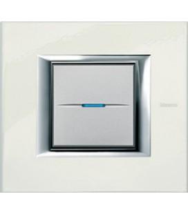 Выключатель в сборе Bticino серии Axolute (прямоугл. формы), Фарфор